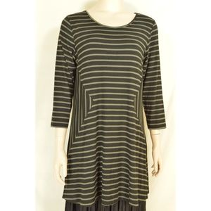 Comfy USA top SZ M asymmetrical geometric black ta